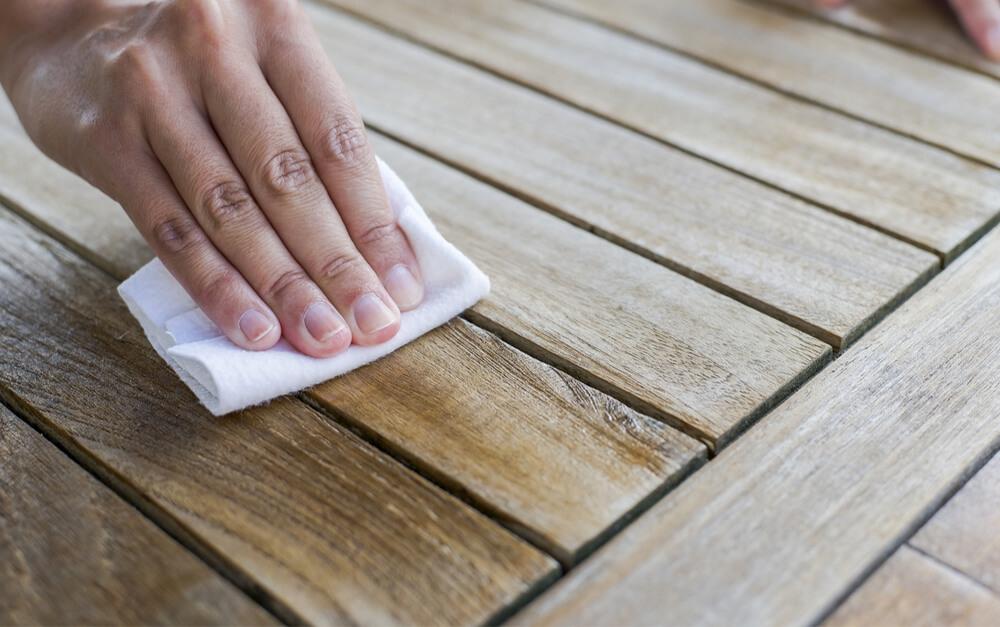 Extrem Holzoberflächen richtig pflegen - Dos & Don'ts KS55